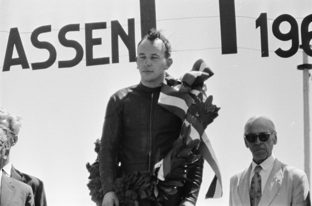 John Surtees campeón 350cc GP Assen