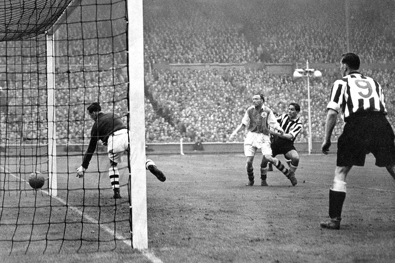 Gol Jorge Robledo FA CUP Newcastle Arsenal