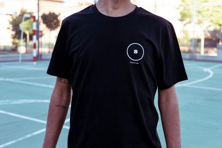 Camiseta circular negra 2